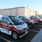 2_pizzahut_smartcar_vehiclewrap_iconography