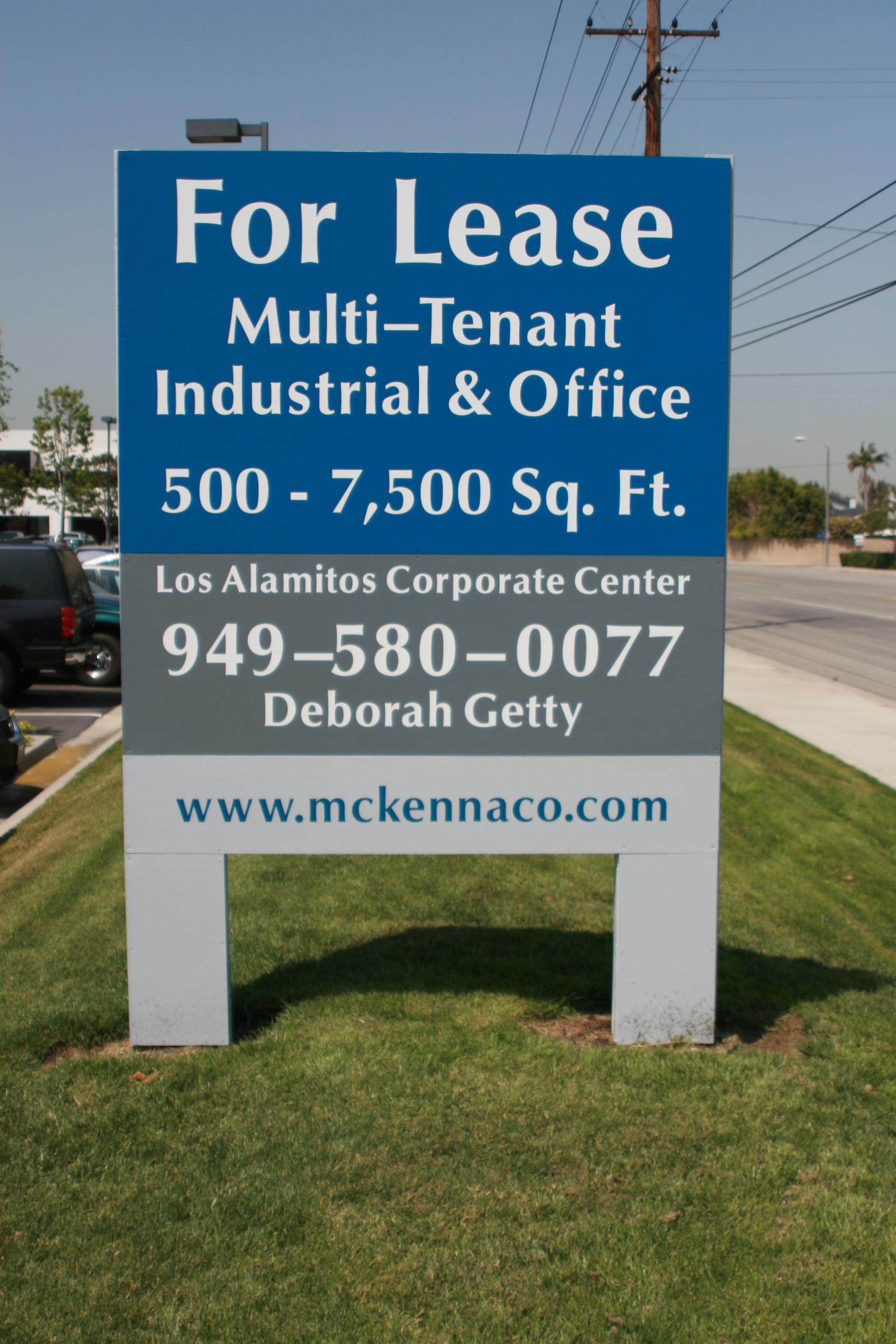 Trade Banner Stands : Commerical real estate sign