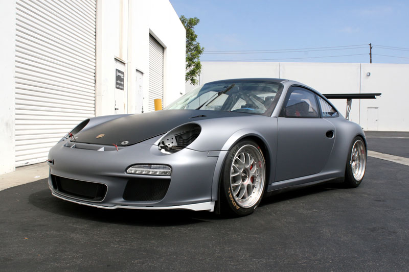 12_competitionmotorsports_porsche_racecargraphics_mattecompletion_iconography_0