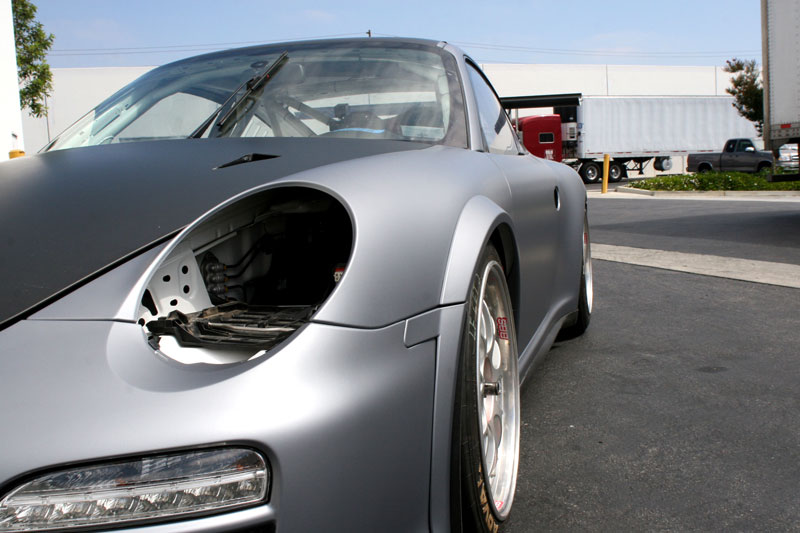 14_competitionmotorsports_porsche_racecargraphics_mattecompletion_iconography_0