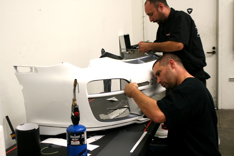 4_competitionmotorsports_porsche_racecargraphics_install_iconography_0