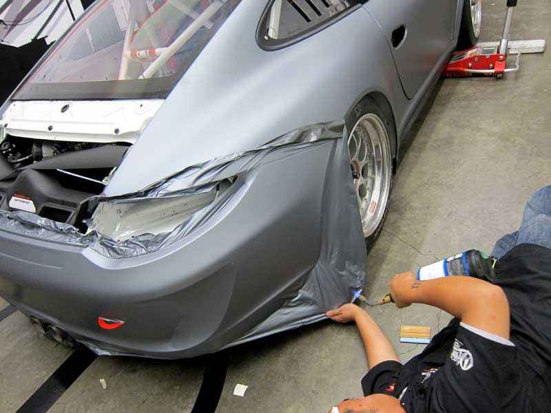 8_competitionmotorsports_porsche_racecargraphics_install_iconography_0