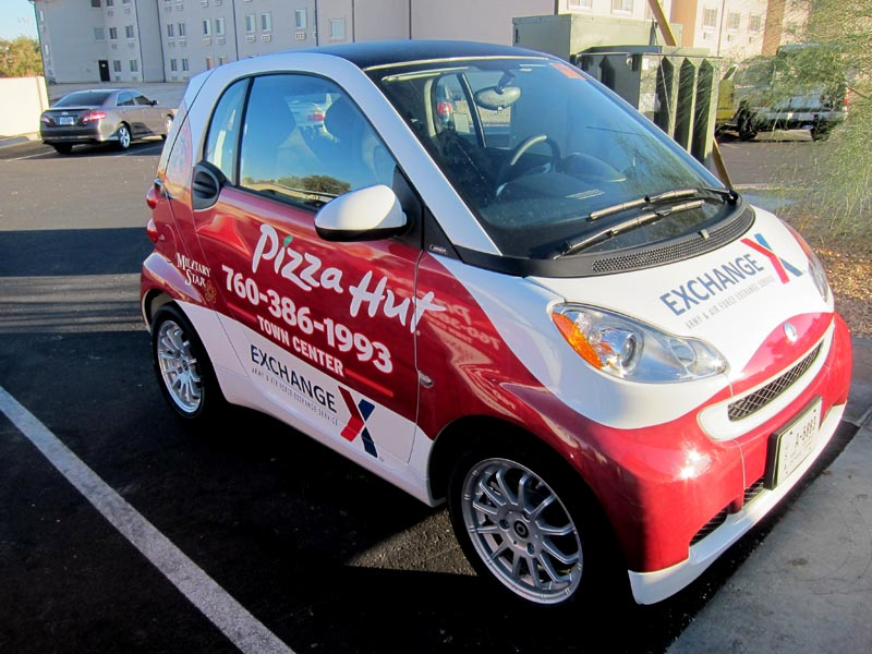5_pizzahut_smartcar_vehiclewrap_iconography